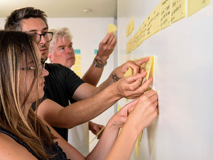 Design Sprint workshop - Steph Cruchon, Egle Minkstimaite, Paul Van der Linden